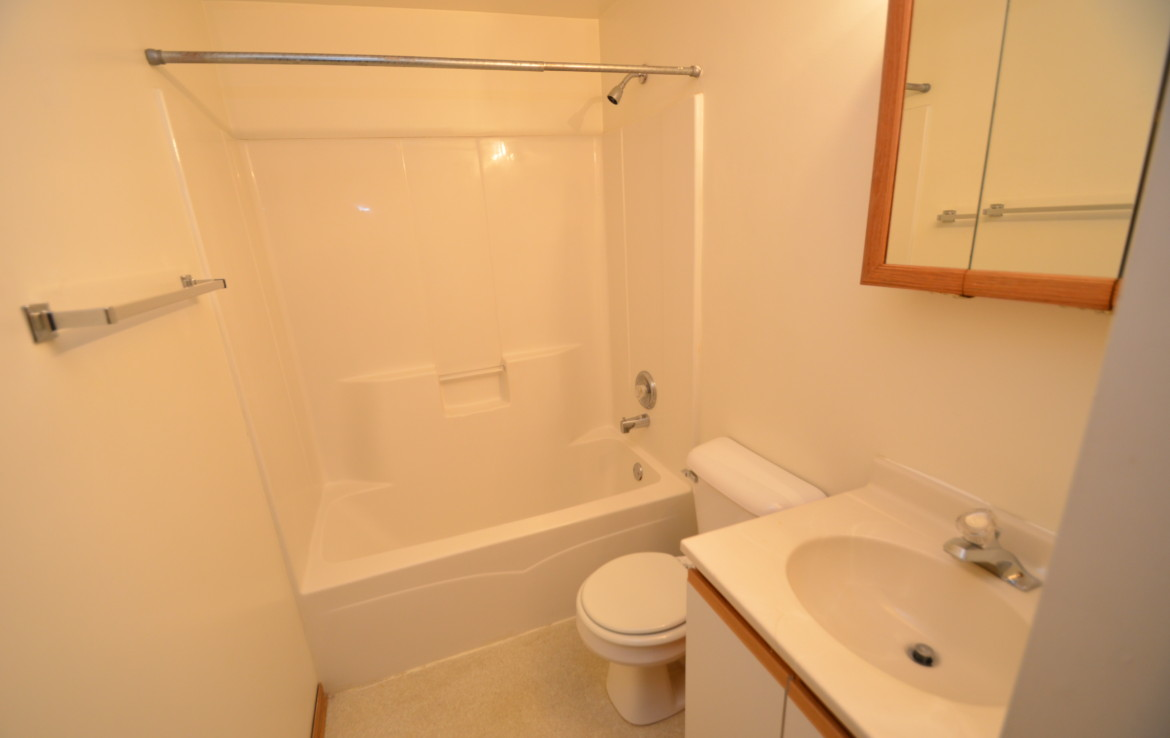 Fotis Townhome Bathroom